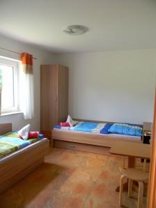 M 2013.06.04 - 13.02.56 - Ferienhaus 2 - Schlafzimmer 2