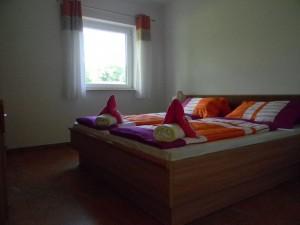 M 2013.06.04 - 13.15.22 - Ferienhaus 2 - Schlafzimmer 1